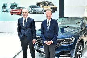 VW Aktie - Vorstandsmitglieder Frank Witter und Herbert Diess auf der Halbjahreskonferenz 2018
