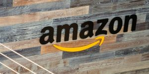 Amazon Aktie Investieren in Amazon Amazon Logo