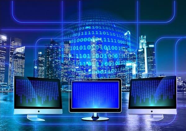 Baidu Aktie - 3 Bildschirme nebeneinander mit Netzwerk im Hintergrund