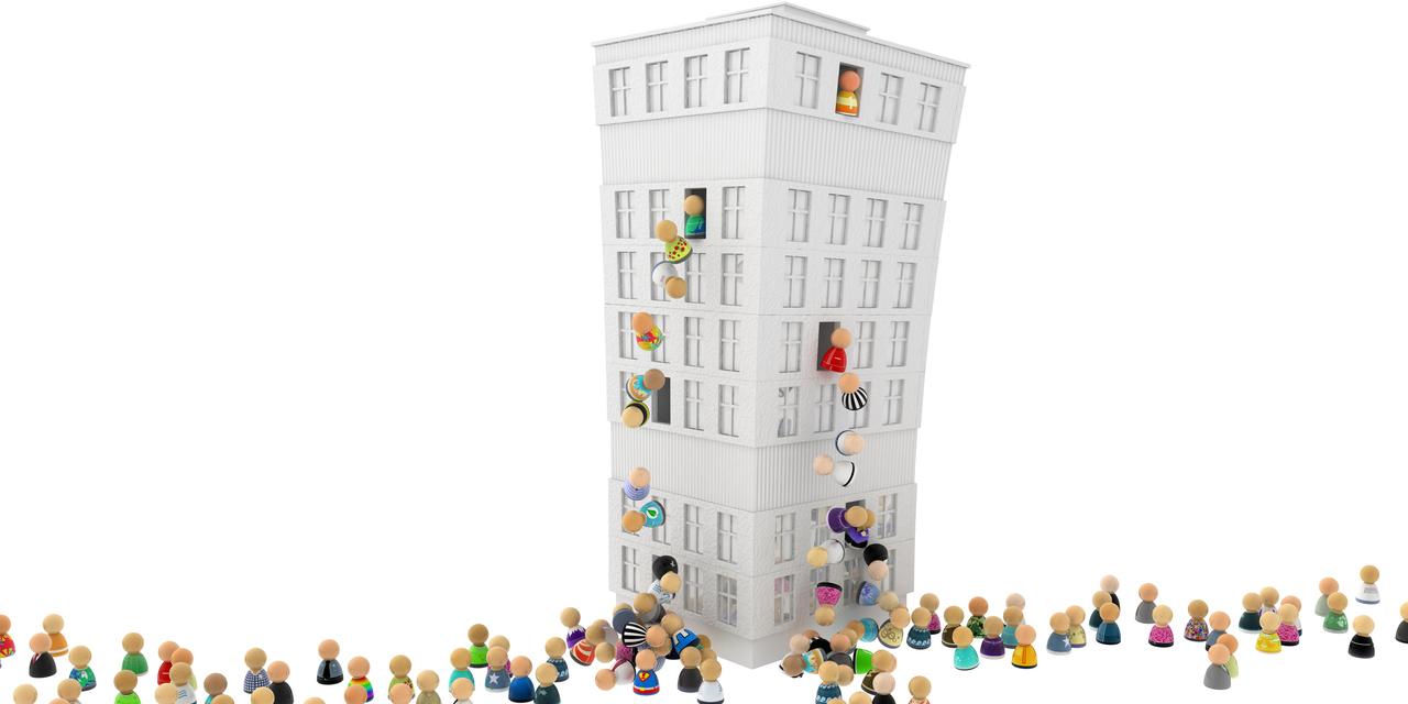 Woodford Fonds Pleite - Menschen klettern aus Hochhaus